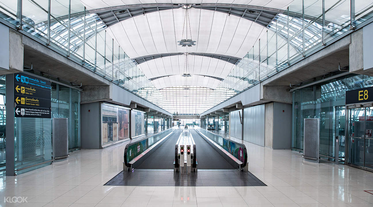 Siam Center and Suvarnabhumi Airport BTS Skytrain Pick Up